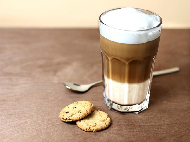 latte macchiato die sache mit der gefleckten milch. Black Bedroom Furniture Sets. Home Design Ideas