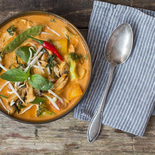 Schmeckt Nach Urlaub Rotes Thai Curry Mit Hähnchen
