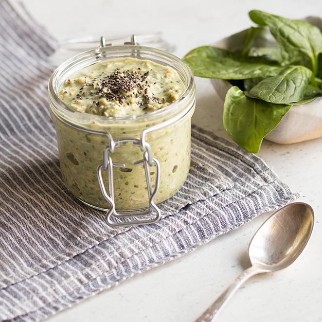 Grüne Overnight Oats mit Spinat