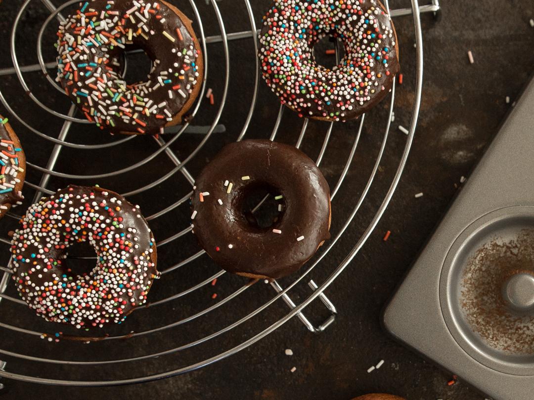 donuts selber machen so backst du dir deine lieblings kringel. Black Bedroom Furniture Sets. Home Design Ideas
