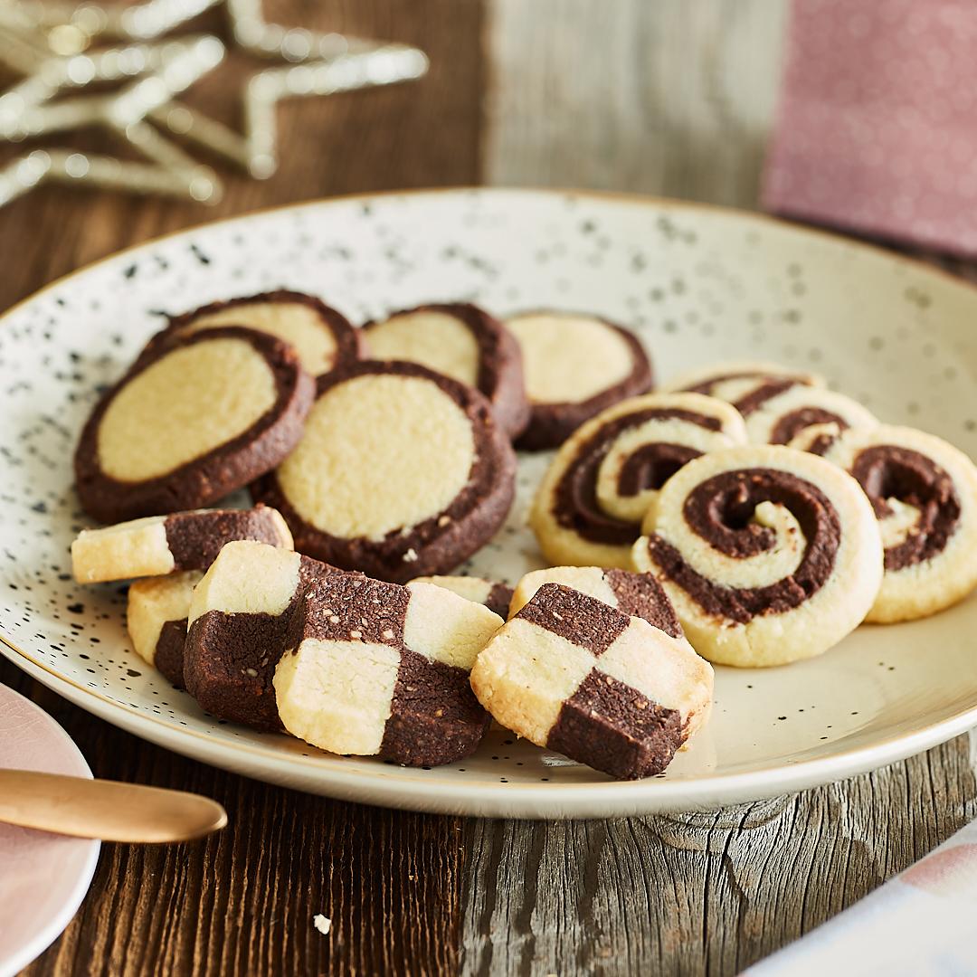 Enies Weihnachtsplätzchen.Spitzbuben Plätzchen Mit Marmelade Süße Backlieblinge
