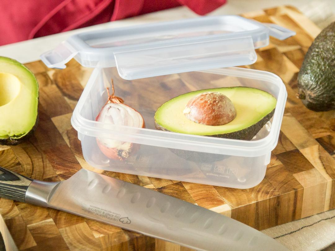 avocado wie du sie sch lst zubereitest und l nger frisch h ltst. Black Bedroom Furniture Sets. Home Design Ideas