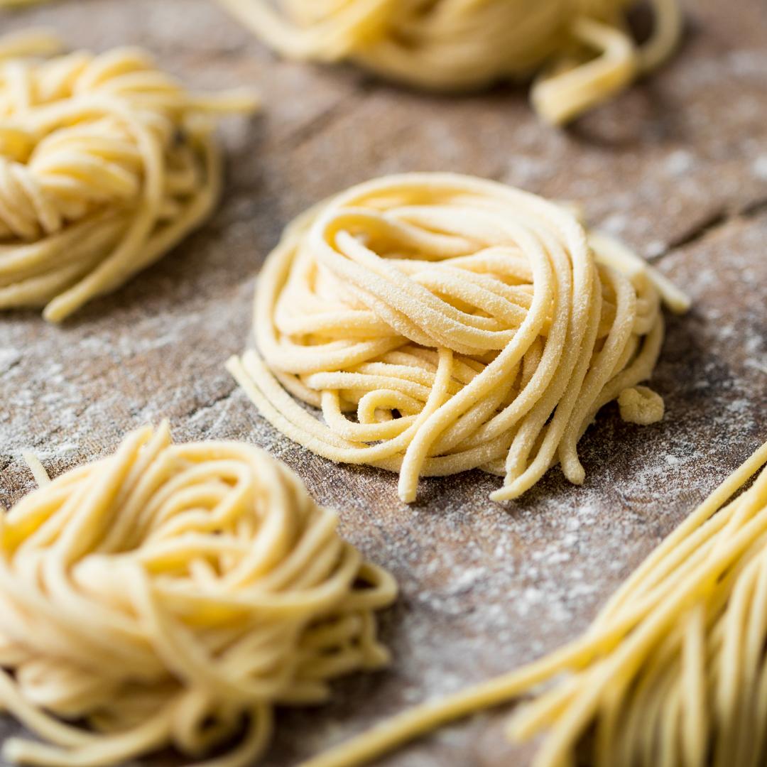 spaghetti ganz einfach selber machen wie ein chef. Black Bedroom Furniture Sets. Home Design Ideas