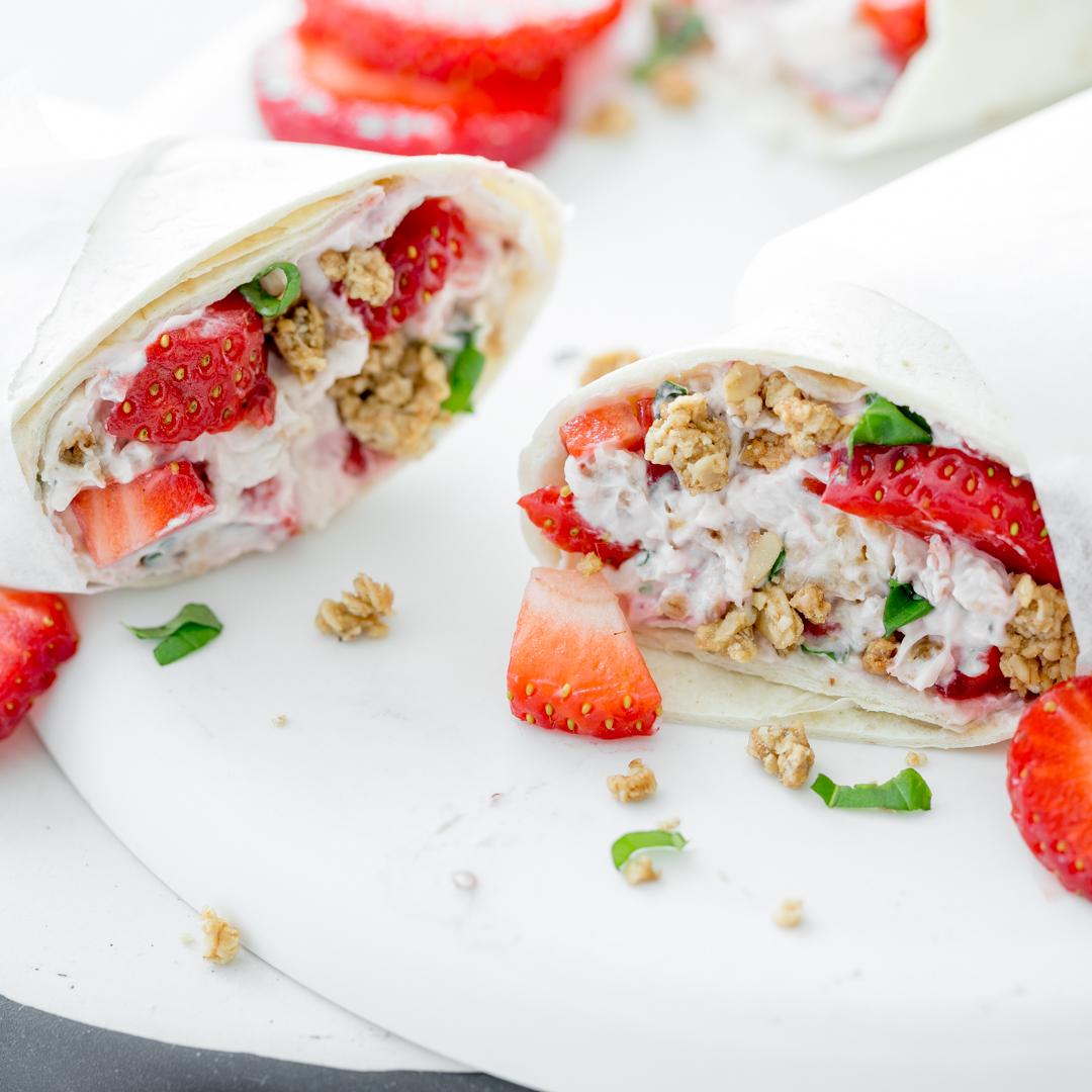 Fabelhaft Wraps Rollen Referenz Von Frühstückswrap Mit Erdbeeren Und Permüsli
