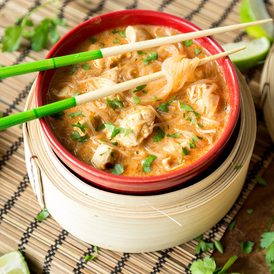 Hei und asiatisch schnelle kokos curry glasnudelsuppe for Kochtipps schnell