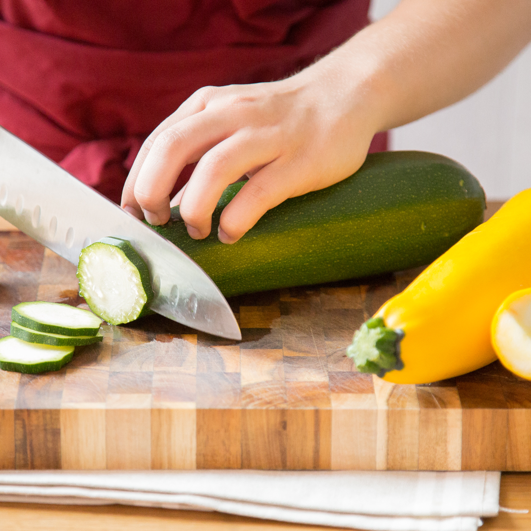so bereitest du zucchini zu kleiner k rbis ganz gro. Black Bedroom Furniture Sets. Home Design Ideas
