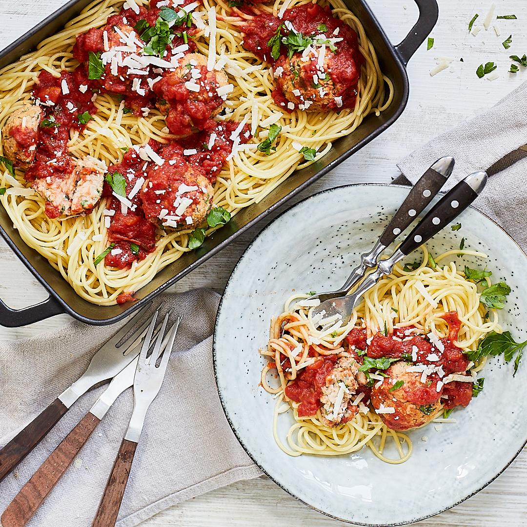 veggie spaghetti mit fleischb llchen. Black Bedroom Furniture Sets. Home Design Ideas