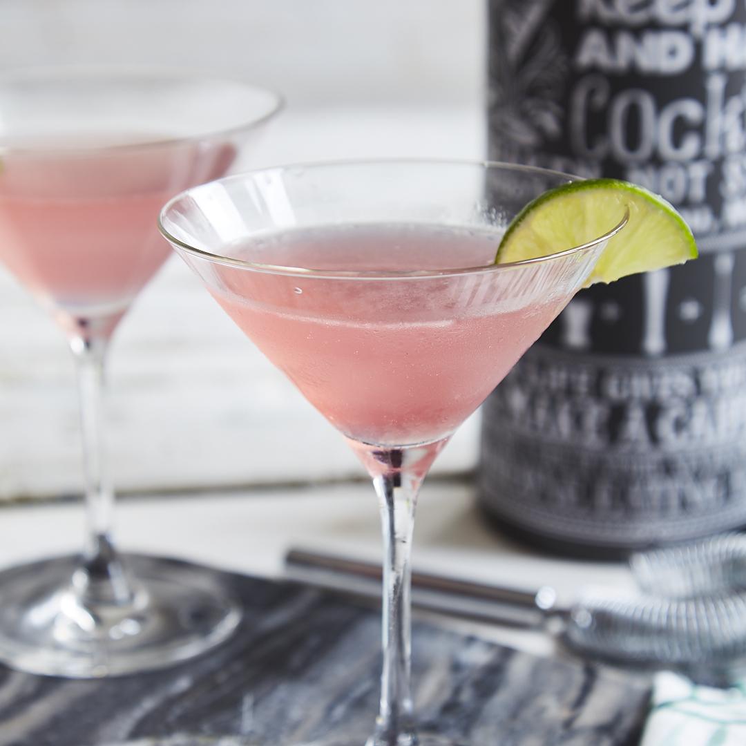 Cosmopolitan cocktail  Mixe dir den besten Cosmopolitan Cocktail einfach zu Hause