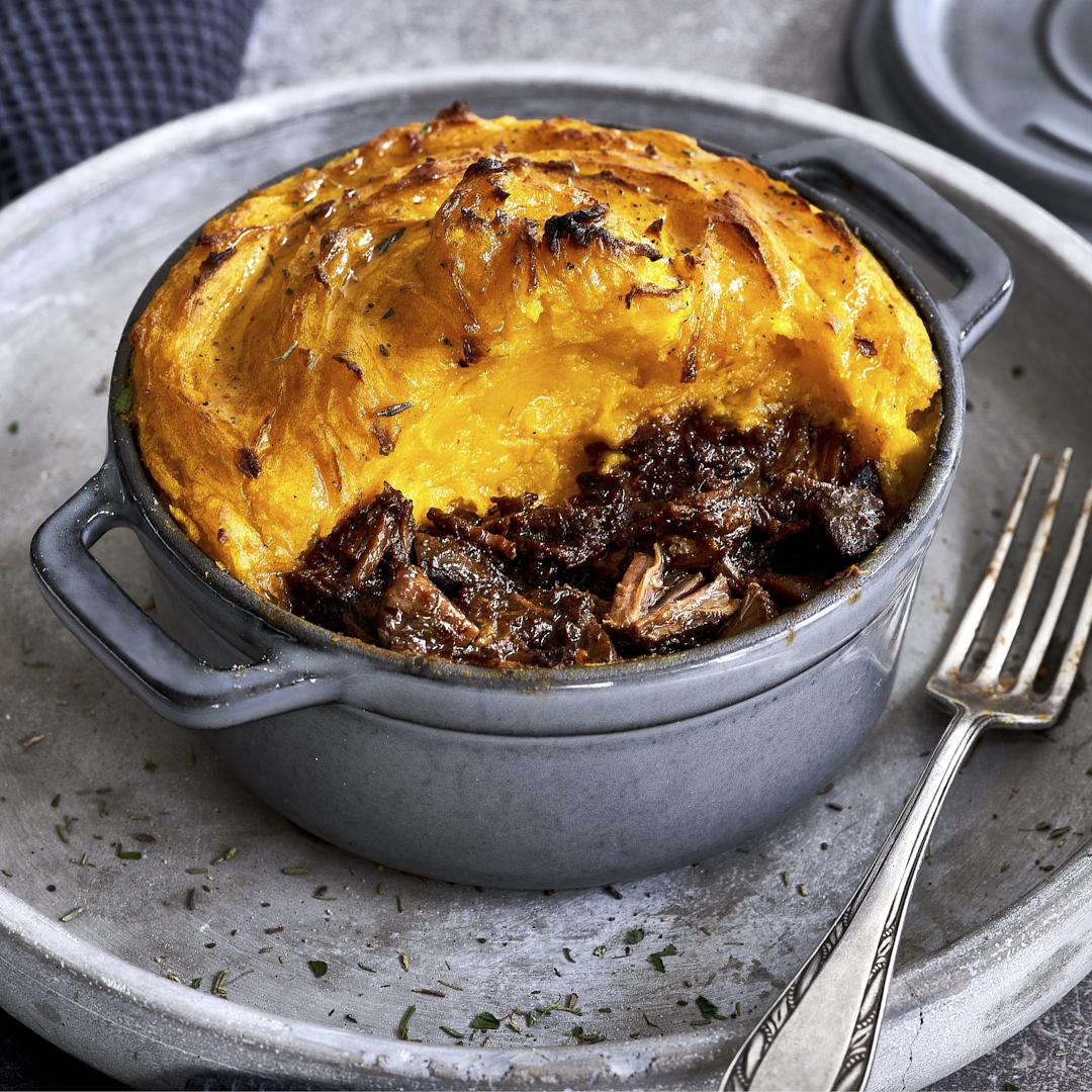 Gulasch mit Kartoffel-Kürbis-Püreehaube