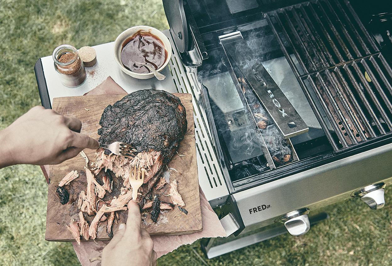Pulled Pork Gasgrill 3 Brenner : Fred u2014 2 brenner gasgrill basic gasgrills grills produkte